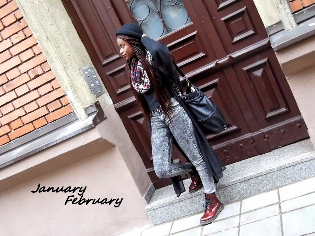Outfit it schwarzem Kimono und Highwaist Jeans